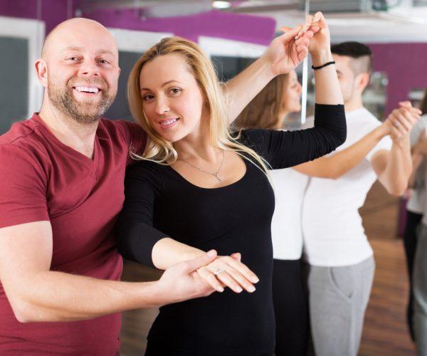 Tanzen-gross-neu